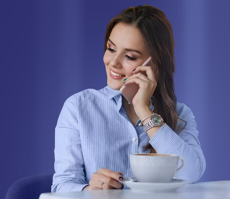 coffee3-girl-on-phone